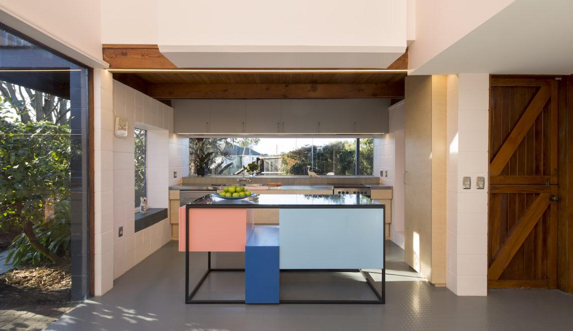 Le Corbusier House, Felicity Clark, Dulux, Dulux Colours, Dulux New Zealand, Sarah Rowlands Photography, Dulux x HSJ, Home Scene Journal, New Zealand Design, Homes with Colour, Painting your home, Adding colour home, Home Design, Design Blog, Interiors, Interior Inspo